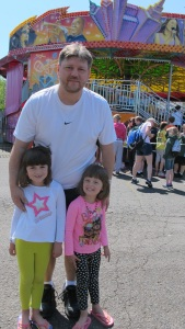 Todd, the father, Kayla and Kylie