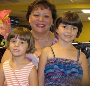 Kylie, Aunt Lisa, Kayla
